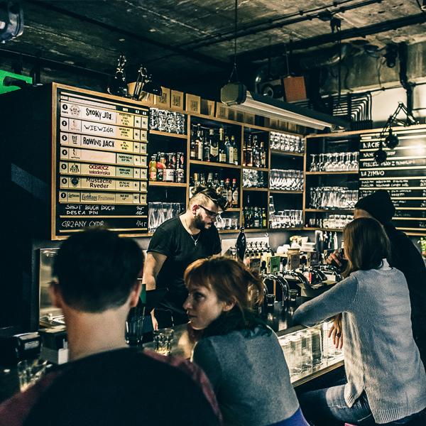 Craft Beer Pub Warszawa Żoliborz projekt wnętrza BAZA architekci